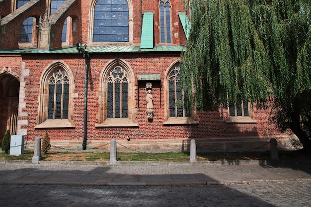 폴란드 브로츠와프 시에서 교회의 벽