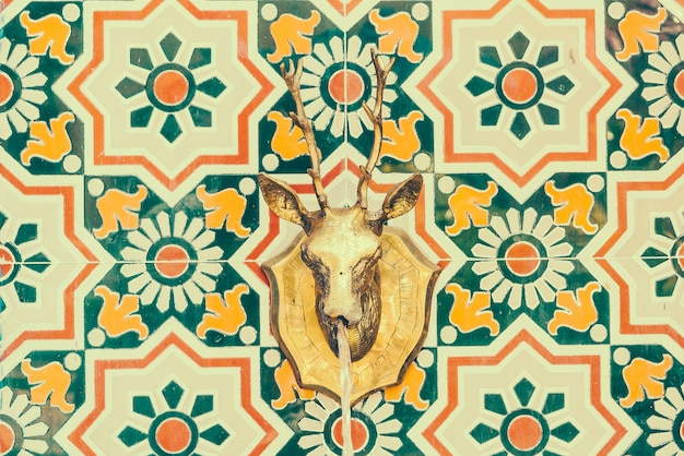 Wall pattern with an animal