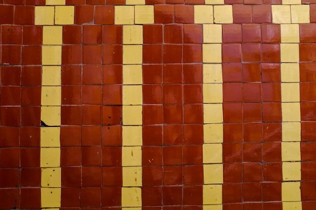古いモザイクの壁。デザインの背景。高品質の写真