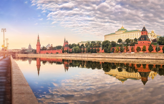 Walls and towers of the moscow kremlin with mirror reflection