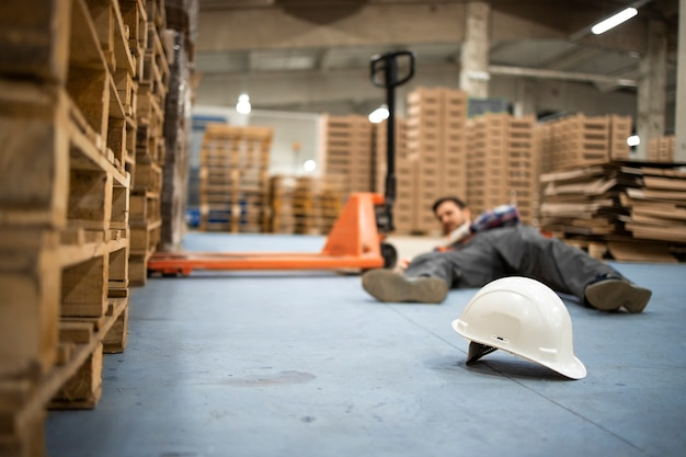 Warehouse worker got injured while working in storehouse