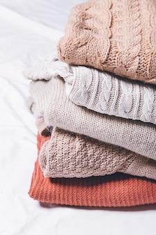 暖かいパイルセーター冬服のコンセプト