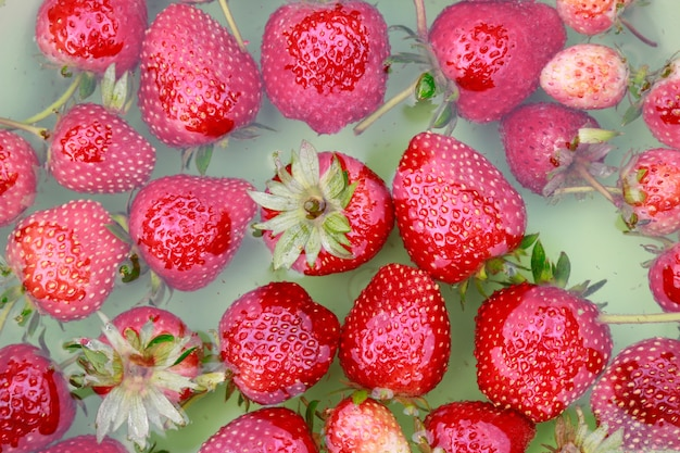 Wash strawberry for eating