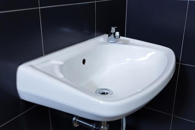 Washbasin in the bathroom Premium Photo