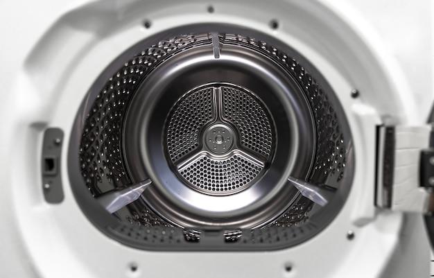 Lavatrice asciugatrice vista interna di un tamburo.