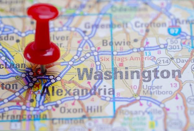 Вашингтон, дорожная карта с красной канцелярской кнопкой, город в соединенных штатах америки сша.