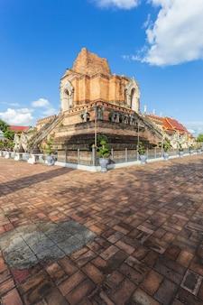 ワットチェディルアンは、タイのチアグマイ県チェンマイにある美しい古い寺院です。