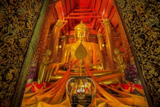 Храм ват пханан чонг в аюттхая, таиланд