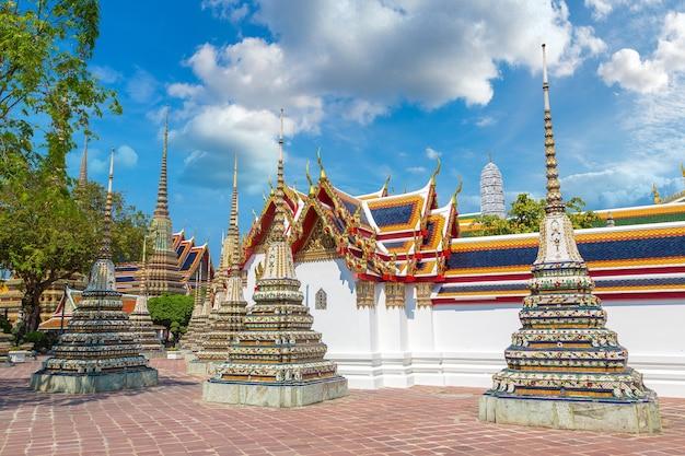 Храм ват пхо в бангкоке, таиланд