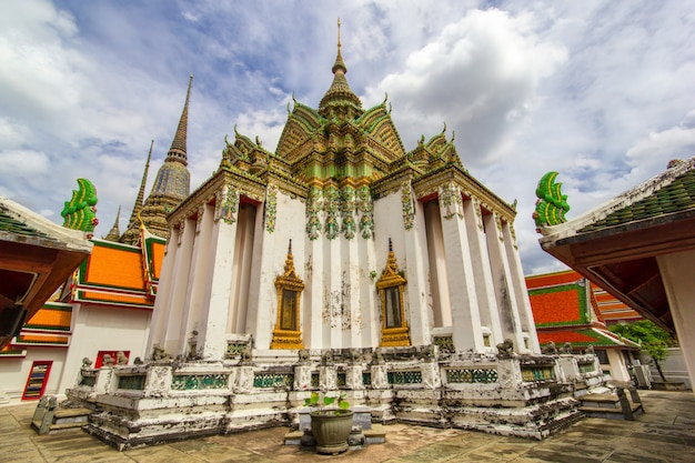 Wat pho temple or wat phra chetuphon