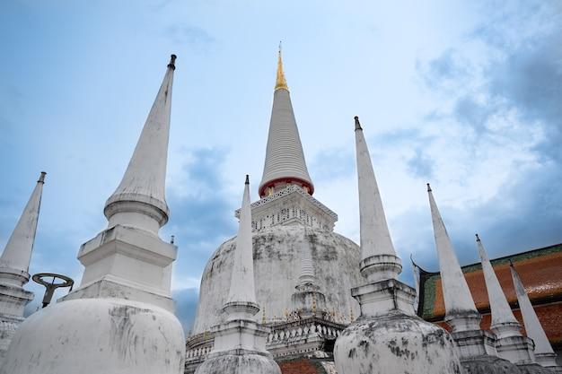 Ват пхра махатхат провинция накхонситхаммарат таиланд
