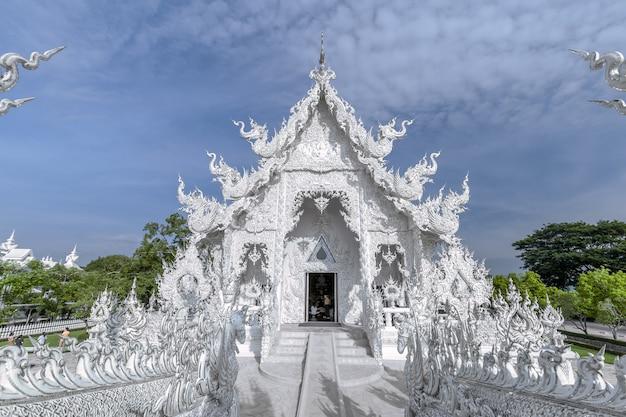 Ват ронг кхун, белый храм чианграй, таиланд