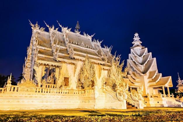 밤에 왓 롱 쿤(하얀 사원), 치앙라이, 태국