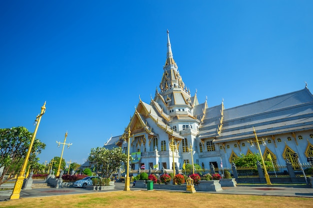 Wat sothonwararam is a buddhist temple in the historic centre and is a buddhist temple