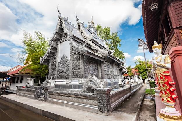 Wat sri suphan은 태국 치앙마이에 있는 불교 사원입니다.