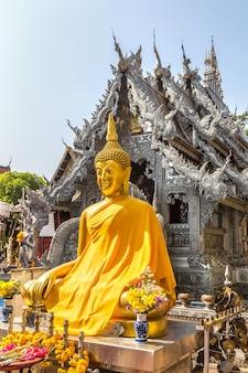 Ват шри супхан (серебряный храм) в чиангмае, таиланд