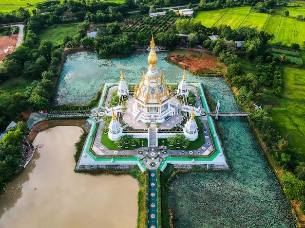 Храм ват тхунг сетти в провинции хонкаен, таиланд