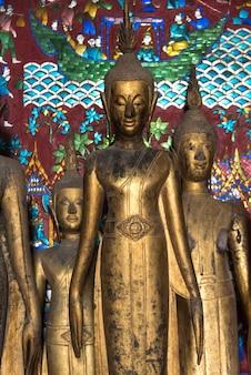 寺院内の像、wat xieng thong寺院、ルアンプラバン、ラオス
