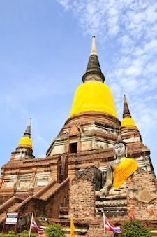 태국 아유타야에서 왓 야이 차이 몽콜.