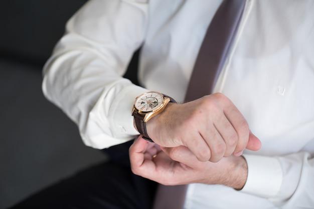 남자의 시계