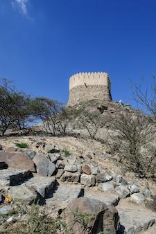 フジャイラのalビディヤモスクにある見張り塔。アラブ首長国連邦。