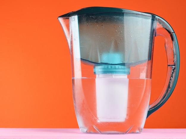 Контейнер для фильтра воды крупным планом