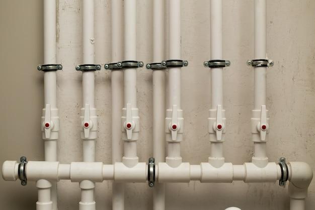Водопроводные трубы в метро
