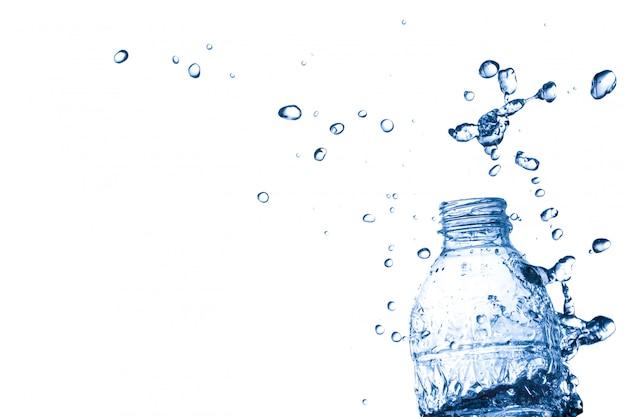 플라스틱 병에서 물 시작
