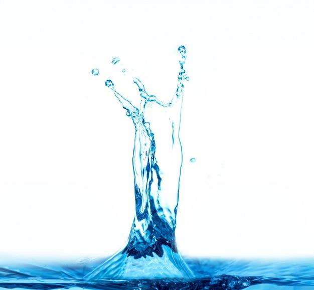 흰색 배경에 절연 물 시작 무료 사진