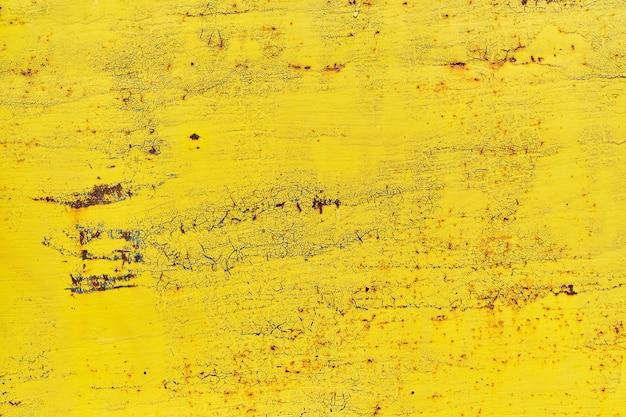 Акварельный фон в старой винтажной желтой краске с трещинами