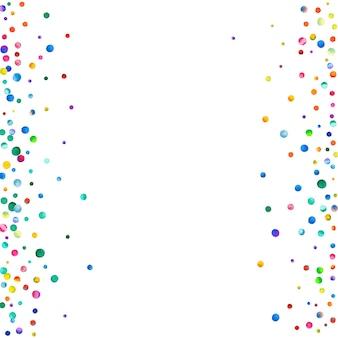 白い背景の上の水彩紙吹雪。実際の虹色のドット。幸せなお祝いの正方形のカラフルな明るいカード。素晴らしい手描きの紙吹雪。