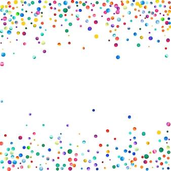 白い背景の上の水彩紙吹雪。実際の虹色のドット。幸せなお祝いの正方形のカラフルな明るいカード。クリエイティブな手描きの紙吹雪。