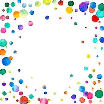 Акварельное конфетти на белом фоне. очаровательные точки цвета радуги. счастливый праздник квадратная красочная яркая карта. конфетти с дополнительной ручной росписью.
