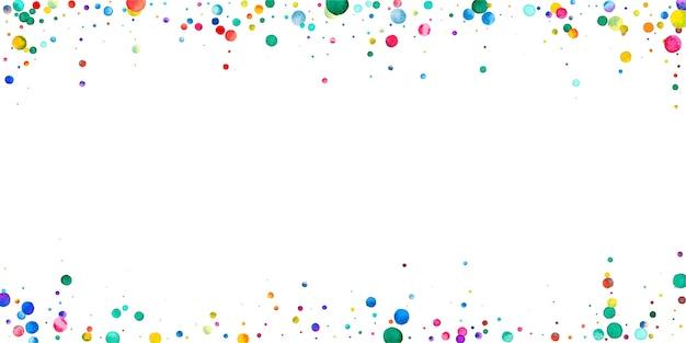 白い背景の上の水彩紙吹雪。愛らしい虹色のドット。幸せなお祝いワイドカラフルな明るいカード。可愛らしい手描きの紙吹雪。
