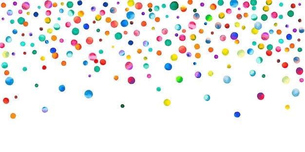 Акварельное конфетти на белом фоне. очаровательные точки цвета радуги. счастливый праздник широкая красочная яркая карта. уникальное конфетти, расписанное вручную.