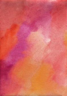 수채화 진한 빨간색, 보라색, 주황색 질감 배경, 손으로 그린. 종이에 스탠스.