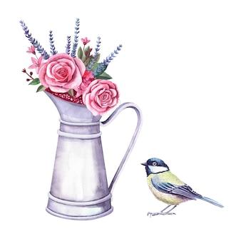 빈티지 금속 투수와 짹 새에 수채화 꽃꽂이. 총칭 그림 흰색 배경에 고립입니다. 장미, 로반다, 딸기가 있는 꽃다발. 농장 및 정원 실내 장식