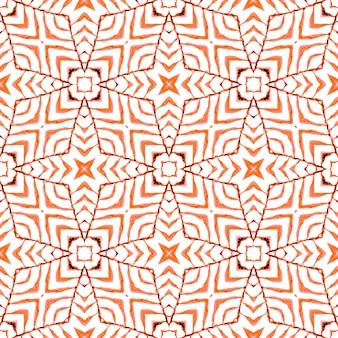 タイルの境界線を繰り返す水彩画の絣。オレンジの芸術的な自由奔放に生きるシックな夏のデザイン。イカット繰り返し水着デザイン。テキスタイル対応の恍惚としたプリント、水着生地、壁紙、ラッピング。