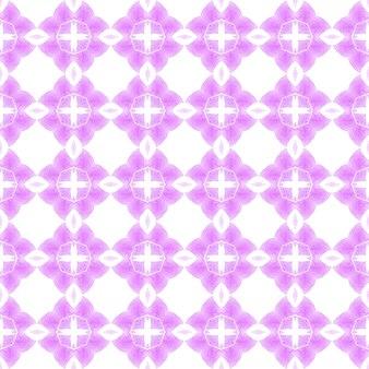 タイルの境界線を繰り返す水彩画の絣。紫の美しい自由奔放に生きるシックな夏のデザイン。イカット繰り返し水着デザイン。テキスタイルレディフェッチプリント、水着生地、壁紙、ラッピング。