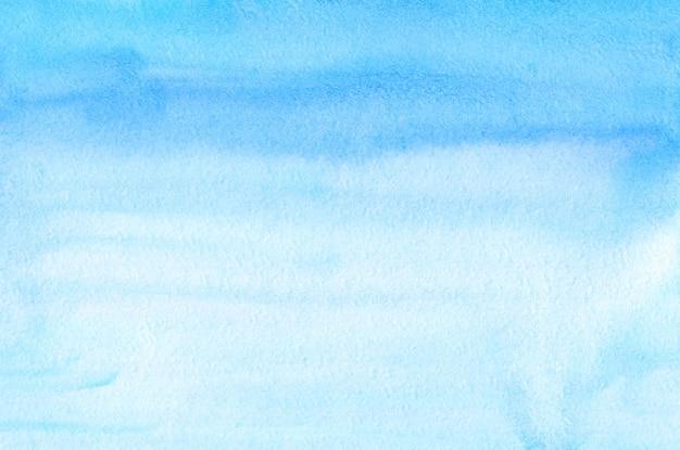 수채화 라이트 블루 그라데이션 배경 텍스처입니다. 해당 추상 밝은 하늘색 선염 배경 막입니다. 수채화 수평 유행 템플릿입니다. 질감 종이.