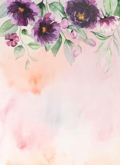 Акварельные фиолетовые цветы и зеленые листья граничат с романтической иллюстрацией с акварельным фоном. на свадьбу канцелярские товары, поздравления, обои, мода, постеры