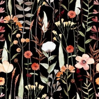 Акварель бесшовные модели с разными полевыми цветами на черном фоне.