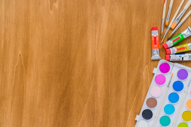 水彩画、ブラシ、コピースペース