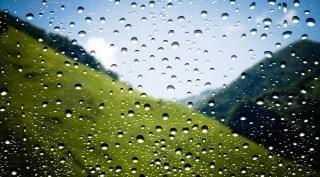 창에 물방울