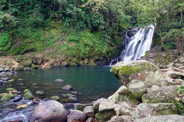 メキシコ、xicoの滝cascada de texolo