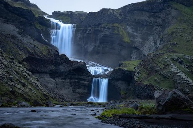 Водопад в центральной исландии