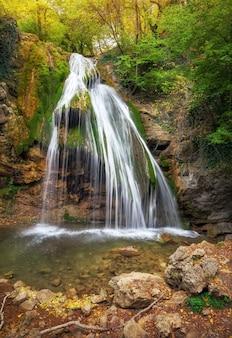 Waterfall jur-jur in crimea. beautiful autumn landscape