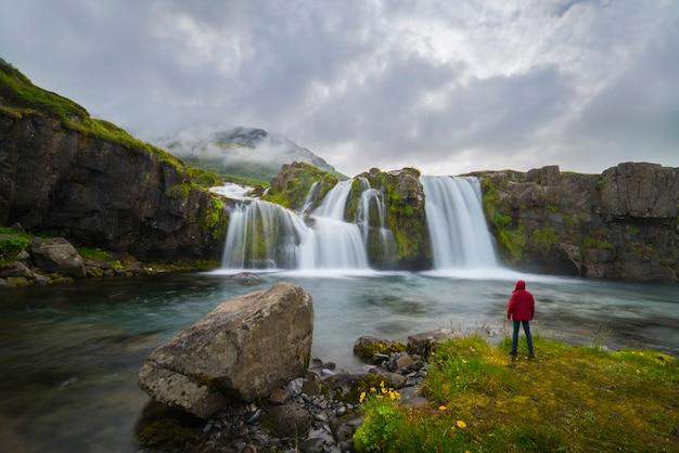 Водопад с туманом в исландии