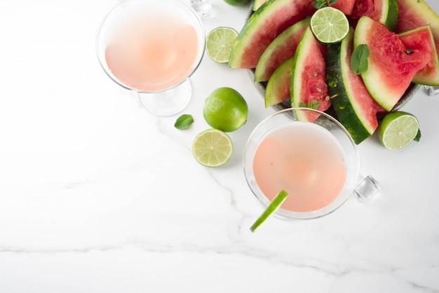 Арбузный мартини коктейль