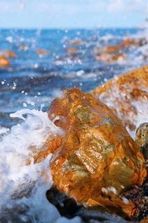 石の上に砕波